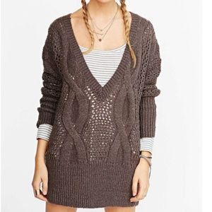 UO Kimchi Blue Oversized Deep V Cable Sweater M